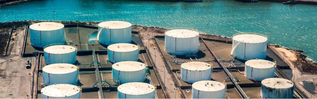 La caída de los inventarios de crudo coloca el precio del petróleo WTI cerca de $ 83