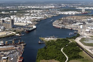 Houston Ship Channel closure halts oil refiners