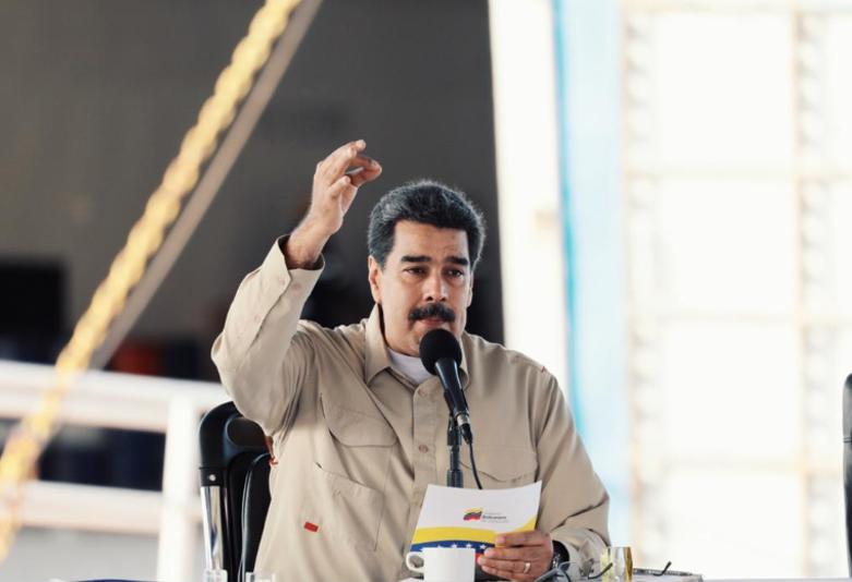 """Maduro nombra nuevo liderazgo de PDVSA luego de """"emergencia energética"""""""