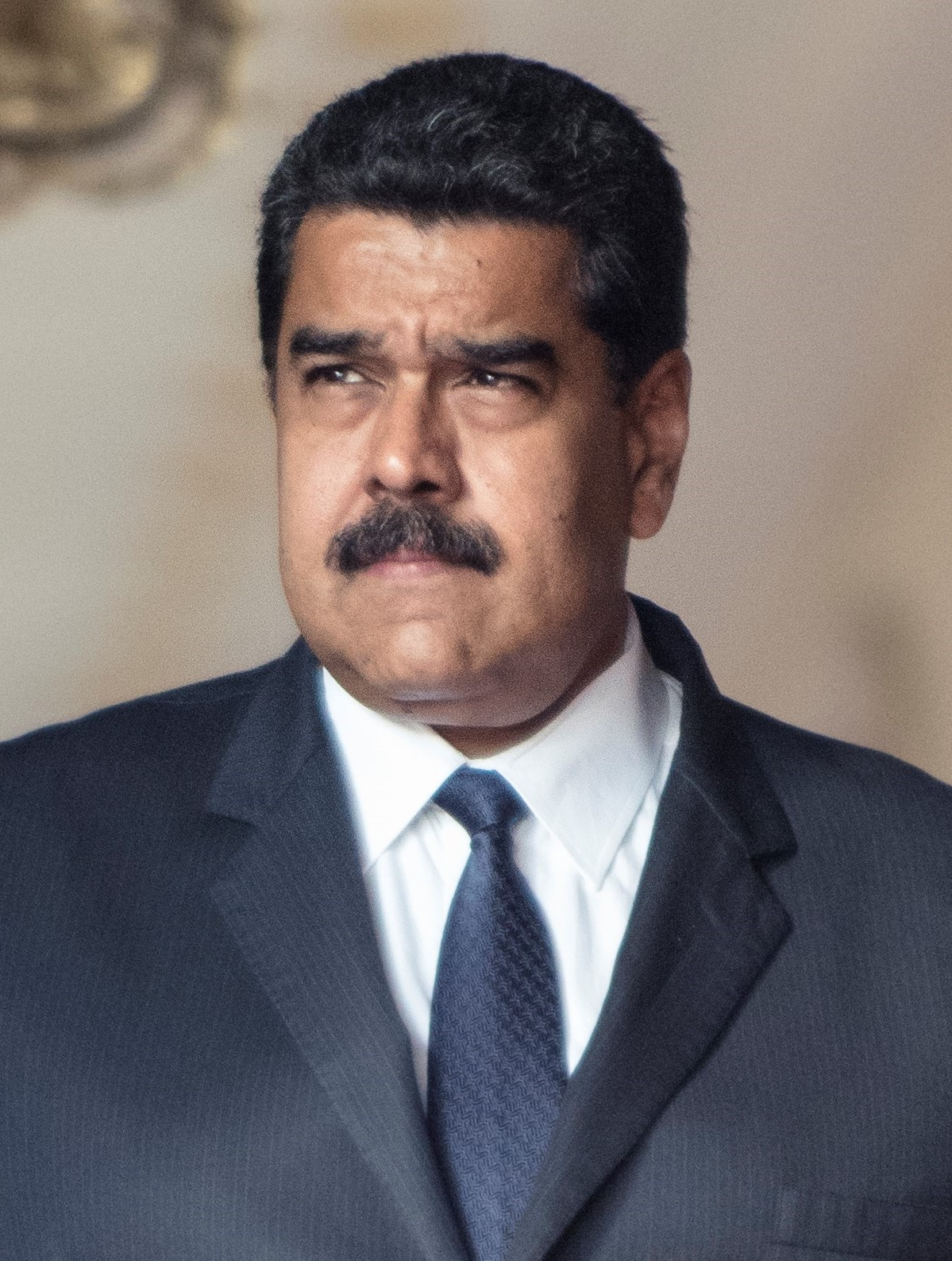"Maduro declara ""emergencia energética"", sacude el liderazgo de PDVSA"