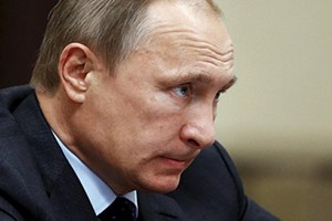 Higher oil revenue gives Putin room to challenge Russian discontent