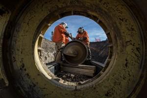 Pipeline construction crew