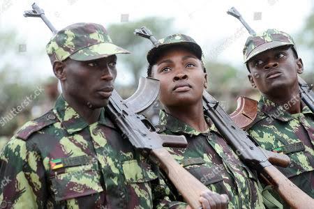 Total reduce el personal de GNL de Mozambique a medida que los rebeldes intensifican los ataques en las cercanías