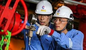 CNOOC crew