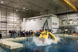 Fig. 5. Testing the FROG-9 at the NASA Neutral Buoyancy Laboratory in 2013.